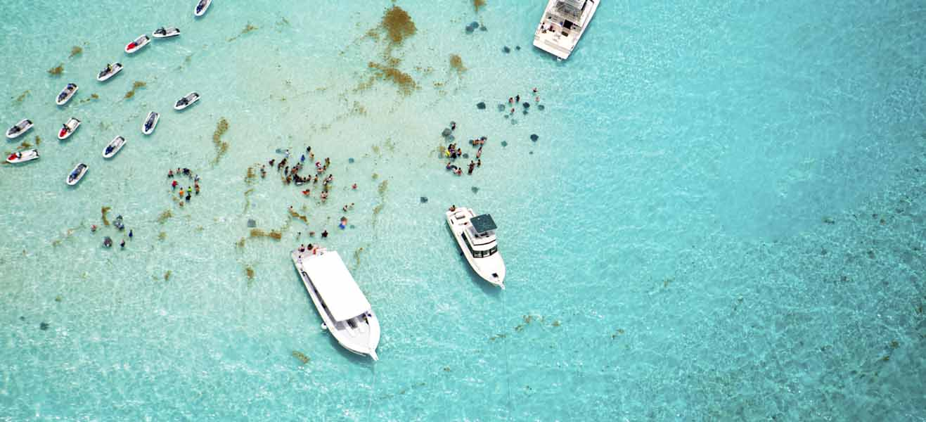 image of sea at stingray city in grand cayman